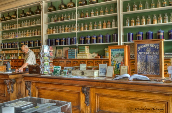 niagara on the lake, Ontario, apothecary, drug store, retro