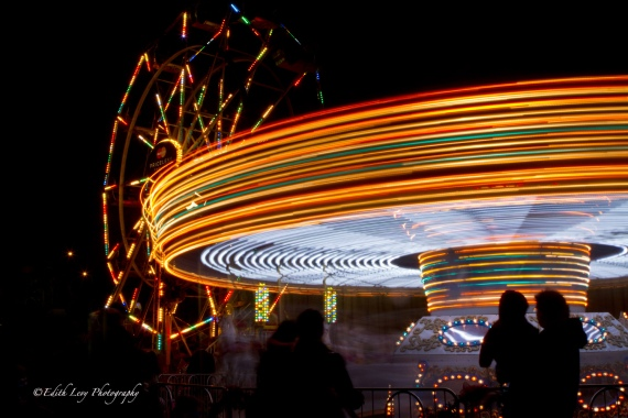 Distillery District, Toronto, Christmas Market, Ferris Wheel, Merry-go-round, night photography