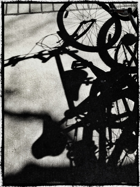 iPhone, iphoneography, bicycle, shadow, snapseed, photo toaster