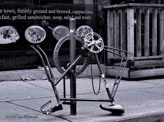 Kensington market, Toronto, city, street, bicycle, street photography, black and white