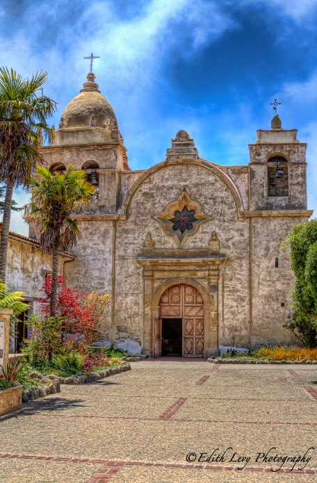 Carmel Mission, Carmel By The Sea, Mission San Carlos Borroméo del río Carmelo, California, travel photography, church,