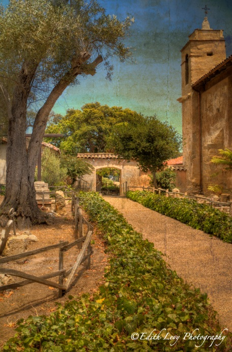 Carmel Mission, Carmel By The Sea, Mission San Carlos Borroméo del río Carmelo, California, travel photography, church, path, gardens