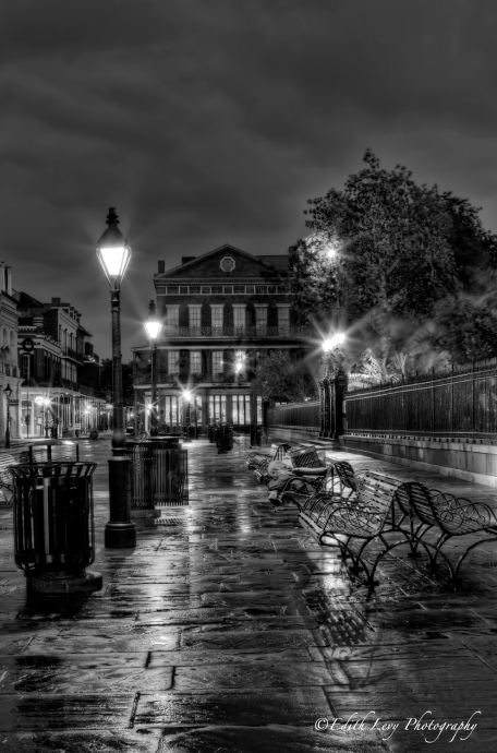 New Orleans, NOLA, Jackson Square, benches, sunrise, dawn, travel photography, monochrome, Black White