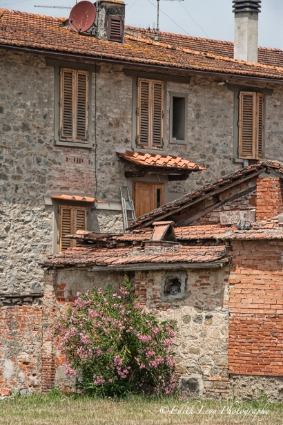 Italy, Florence, Tuscany, farmhouse, abandoned, decay, countryside, Tuscan Villa, Tuscan Farmhouse, travel photography