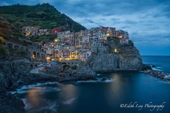 Cinque Terre, Manarola, Italy, village, colored village, blue hour, long exposure, cliff, sea,