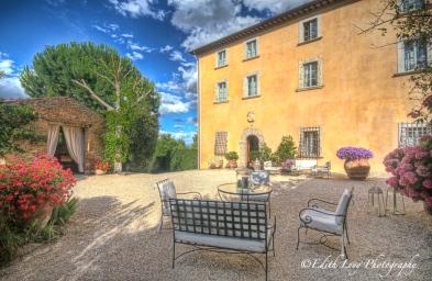Villa Cicolina, Tuscany, Italy, Montepulciano, travel photography, night photography, courtyard