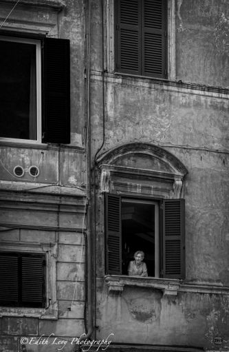 Italy, Rome, Trastevere, window, woman, black and white, monochrome, travel photography, street photography