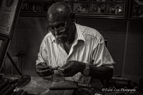 Havana, Cuba, Cuban Cigars, Cigar, Stogie, travel photography, cigar aficionado, black and white