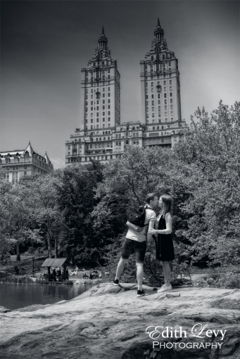 New York, Central Park, lovers, couple, street photography, black and white