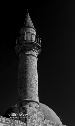 mosque, minaret, Akko, Acre, Israel, black and white, monochrome