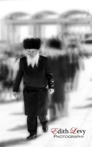 Israel, Jerusalem, Western Wall, Orthodox, Man, Walking, Motion, black and white, travel photography,