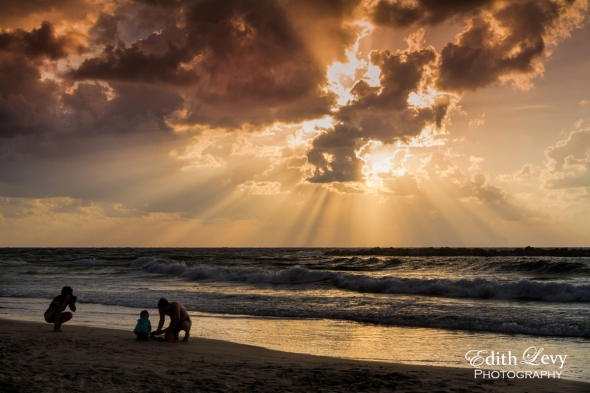 Tel Aviv, Israel, sunset, beach, family, photographer, golden, water, sea, Mediterranean