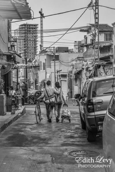 Carmel Market, Israel, Tel Aviv, black and white, monochrome, street photography, couple, couple walking together