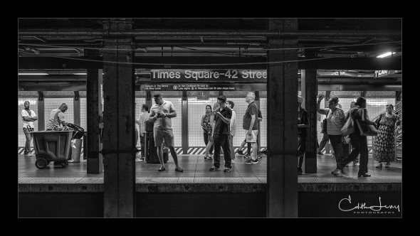 New York, Manhattan, subway, tableau, black and white, Times Square, 42nd street