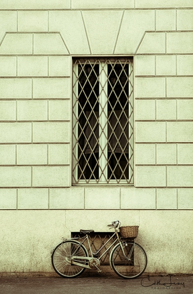 Milan, Italy, Bicycle, Europe, wall, window, travel